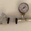 Trykmåler med justerbar sikkerhedsventil, 0 - 2,5 bar (Spunding valve)